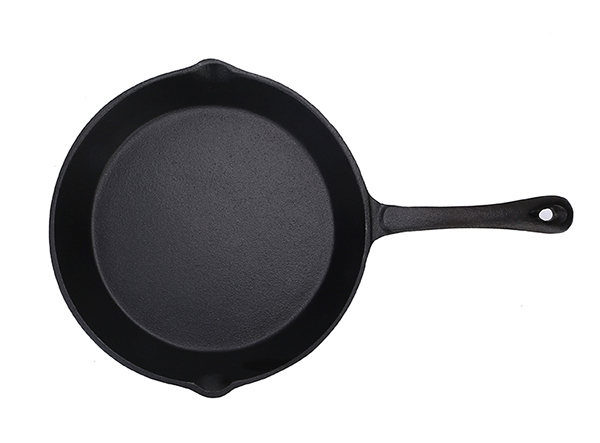 cast iron skillet with long handle