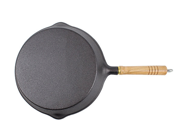 Cast Iron Skillet With Wood Handle
