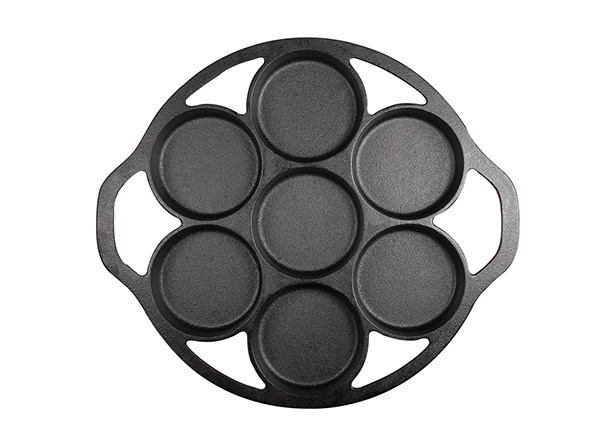 Cast Iron Muffin Pan for baking biscuit